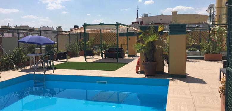 Espectacular piscina en ático en pleno barrio de Almagro.